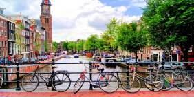 Amsterdam kanallarından bir görüntü