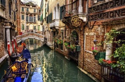 Venedik'te Gondol Gezisi