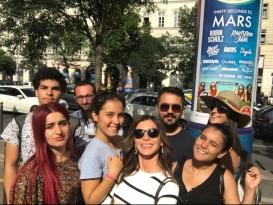 Budapeşte'de caddelerinde dolaşırken biz